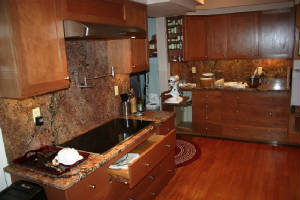 Kitchen1-small.JPG